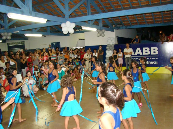 AABB Comunidade encerra atividades de 2010 com festa e distribuição de brinquedos